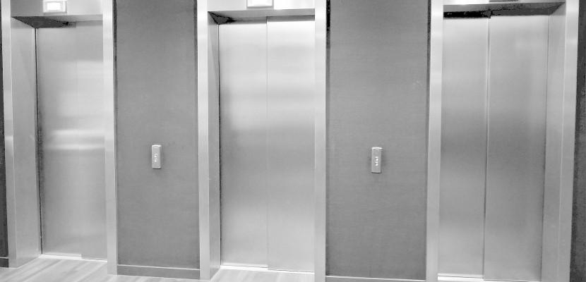 caen ivres bloqu s dans un ascenseur ils s 39 en prennent aux policiers. Black Bedroom Furniture Sets. Home Design Ideas