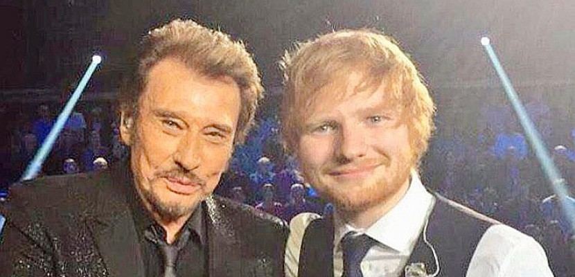 Ed Sheeran rend hommage à Johnny (photo)