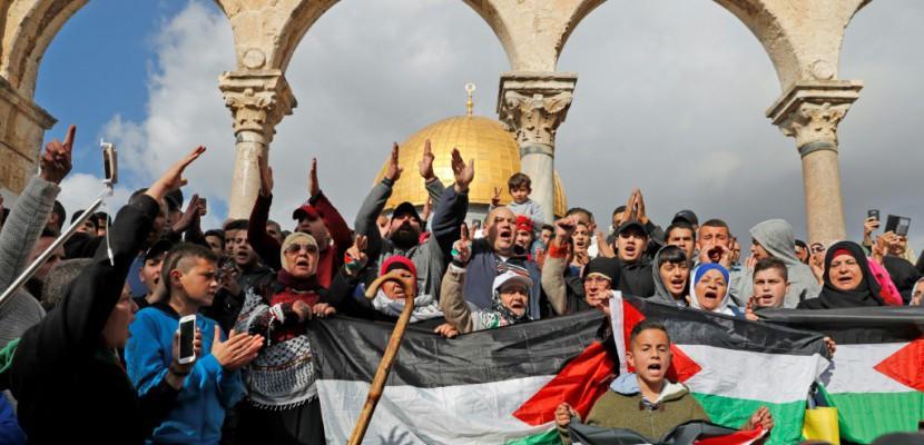 Les Palestiniens manifestent à nouveau pour Jérusalem