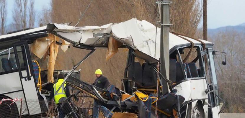 Une région plongée dans la douleur après l'accident entre un car et un train
