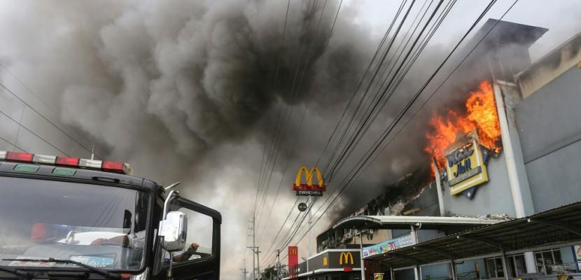 Incendie meurtrier dans un centre commercial aux Philippines