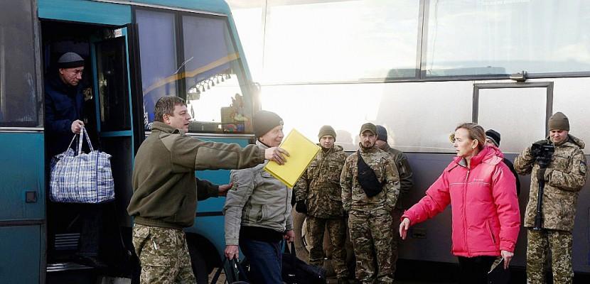 Echange massif de prisonniers entre Kiev et les séparatistes