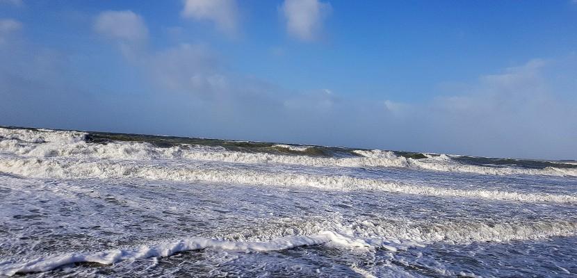 La Manche reste en vigilance Orange pour vagues et submersion marine