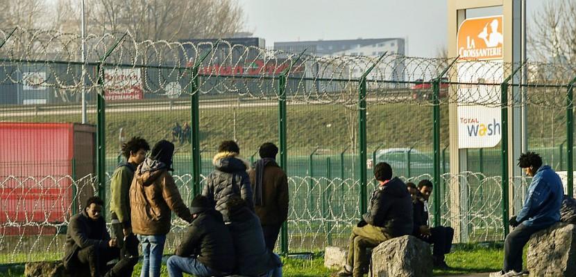 Macron attendu à Calais, ville symbole de la crise migratoire