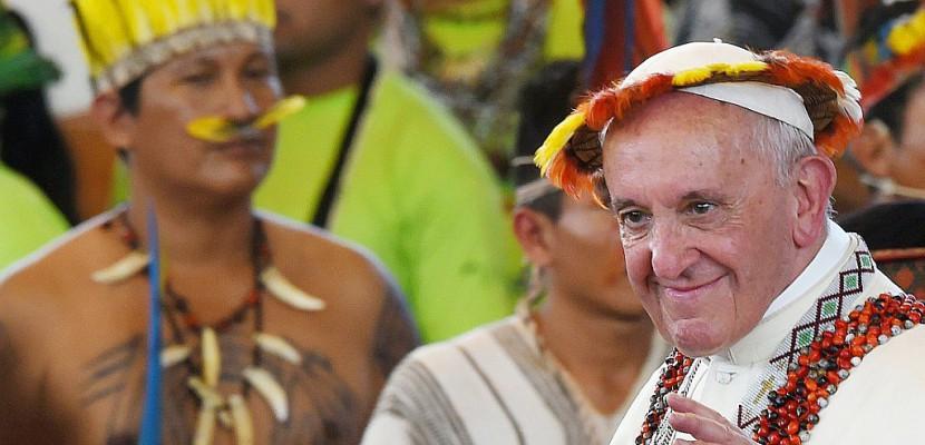 Deuxième jour au Pérou: le pape dans une zone d'intempéries