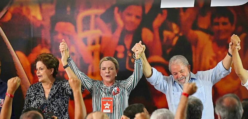 Le parti de Lula l'adoube pour la présidentielle au Brésil