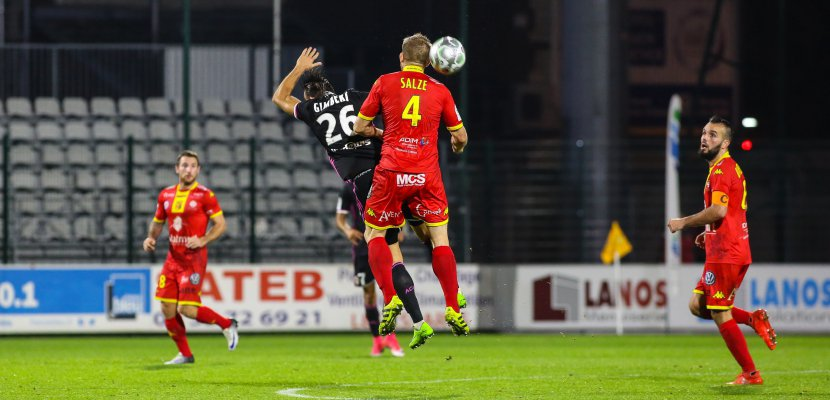 Football (Ligue 2): pas de surprise pour QRM chez le leader de Reims