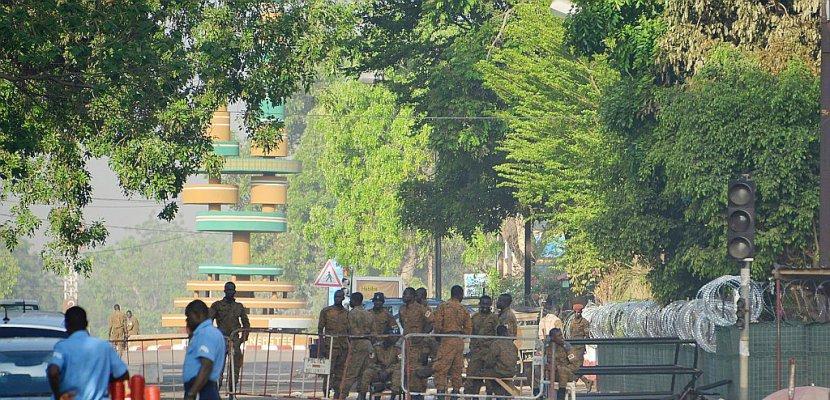"""Attaques au Burkina: le Premier ministre décrit des """"scènes apocalyptiques"""""""