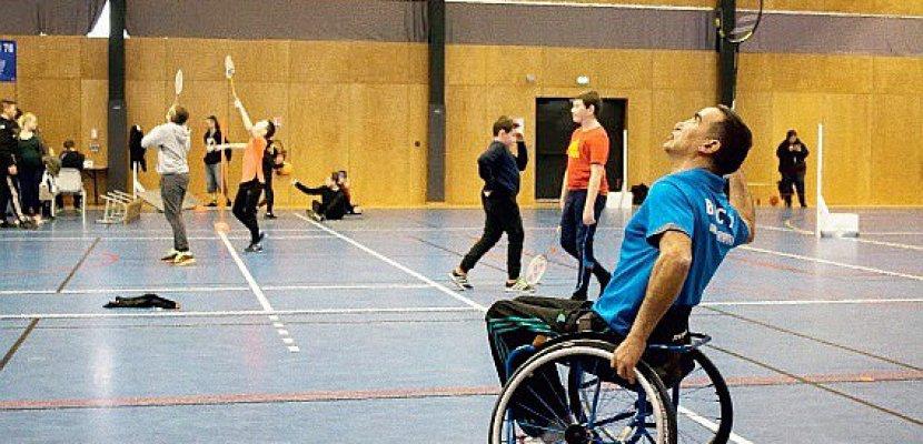 Handicap: les députés veulent réduire les délais administratifs