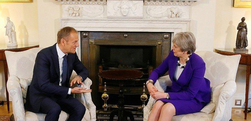 """L'UE ne veut pas de """"mur"""" avec Londres"""