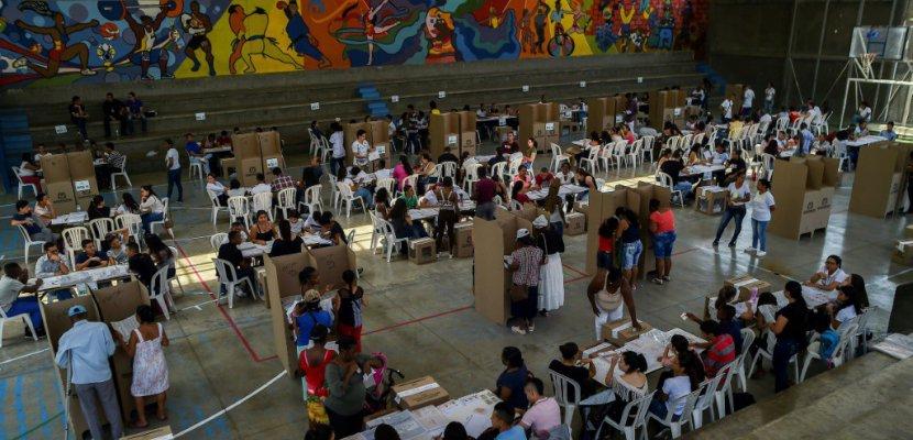 Législatives en Colombie: la droite opposée à l'accord de paix l'emporte