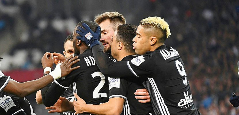 Ligue 1: Lyon se relance à Marseille, Paris continue de gagner