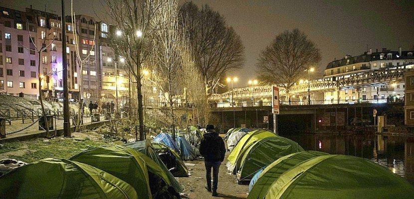 a paris un nouveau campement de migrants grossit dans l. Black Bedroom Furniture Sets. Home Design Ideas