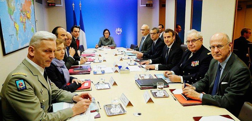 Intervention française en Syrie: débat au Parlement après les frappes