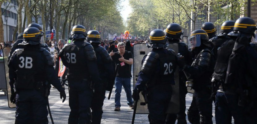 """""""Fête à Macron"""" samedi: 2.000 membres des forces de l'ordre mobilisés"""