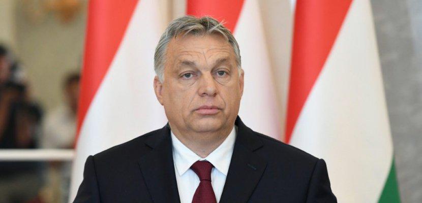 Viktor Orban inaugure son mandat face à une opposition éclatée