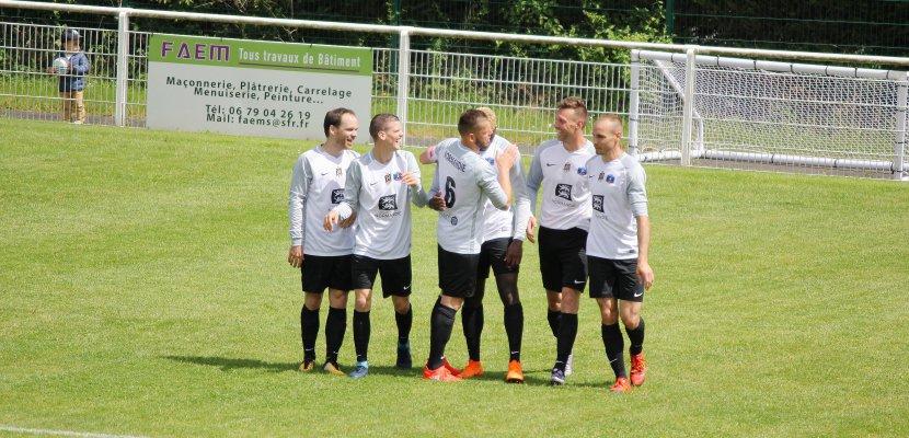 Football La Normandie Qualifiée En Finale De La Coupe Des Régions - L'équipe carrelage