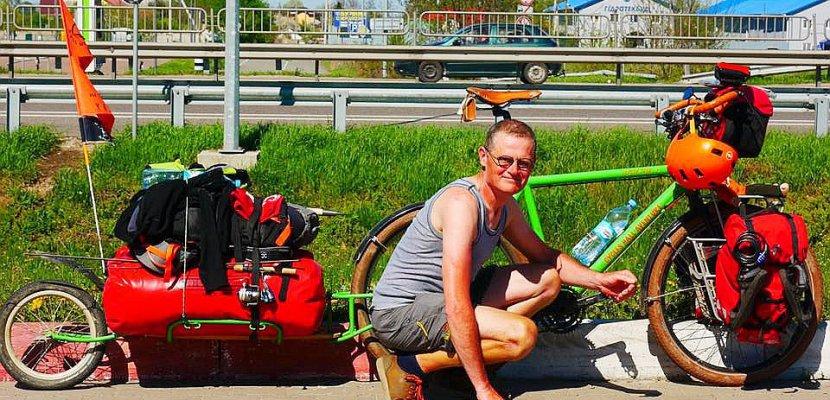 Cany-Barville. Parti à vélo pour gravir l'Elbrouz, Christian Masia est en Ukraine
