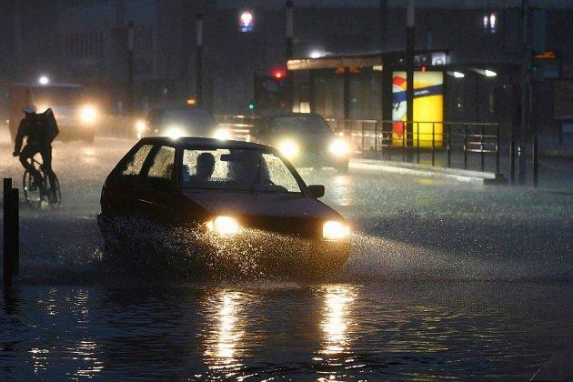 Orages et inondations: 16 départements de nouveau en alerte orange