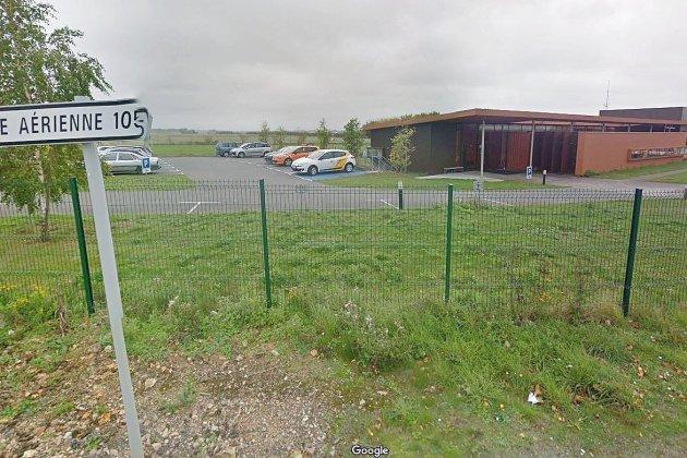 Un homme se tue en Ferrari sur la base aérienne 105 dans l'Eure