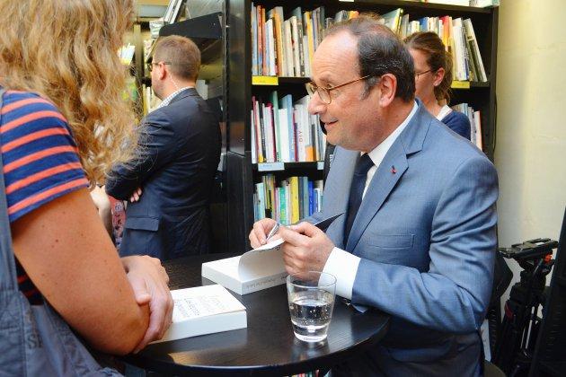 [En images] Bain de foule pour François Hollande à Rouen