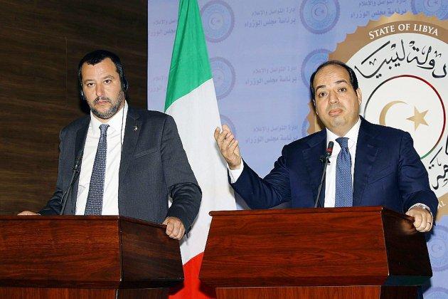 Migrants: Salvini en Libye, attente en Méditerranée