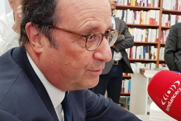 Succès populaire (et de librairie) pour François Hollande dans l'Orne