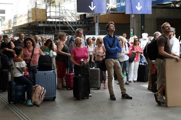 Montparnasse: les voyageurs s'adaptent dans le calme à une circulation réduite