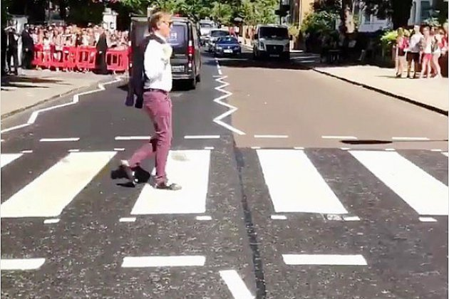 Paul McCartney de retour sur le mythique passage piéton d'Abbey Road