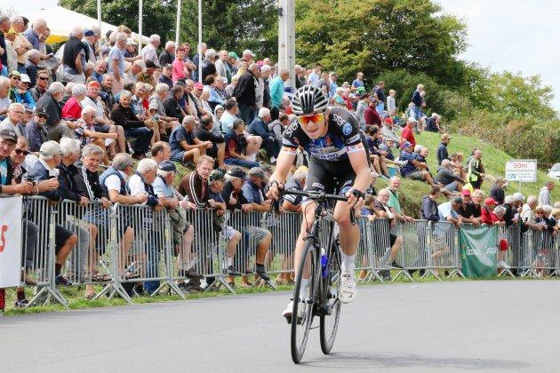 Cyclisme : le Normand Mathis Louvel (VC Rouen) remporte la Saint-Laurent de Montpinchon