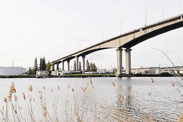 Effondrement à Gênes: 3 questions sur la sécurité du viaduc de Calix