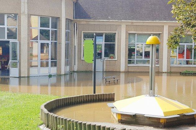 Inondations: réouverture retardée pour l'école Géraud à Alençon