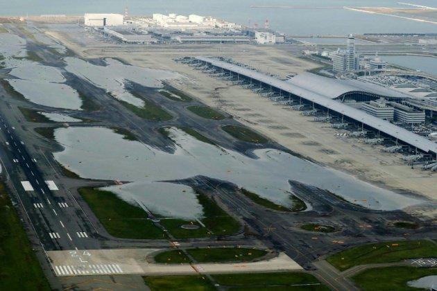 Japon: l'aéroport du Kansai paralysé, répercussions nationales