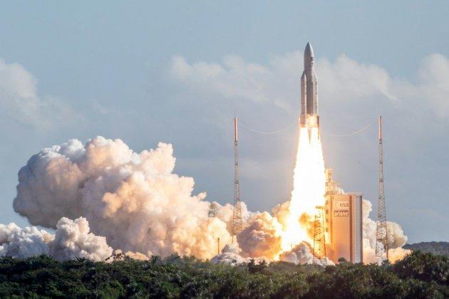 Ariane s'envole pour la 100e fois, mais la Guyane reste au sol