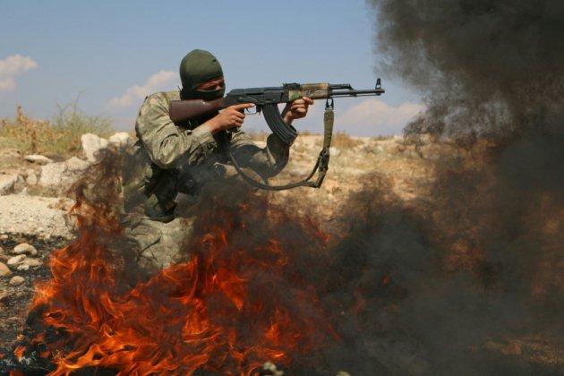 Syrie: un premier groupe rebelle a débuté son retrait après l'accord russo-turc, selon l'OSDH