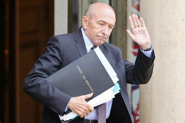 Macron finit par accepter la démission de Collomb