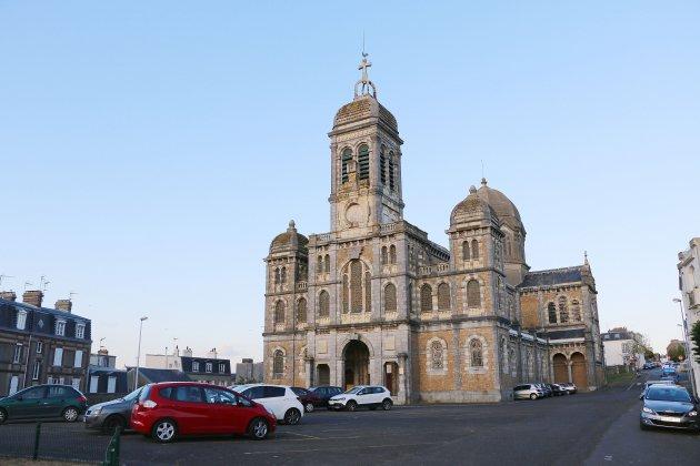 Une église à céder dans la Manche: mise à prix 30 000 euros!