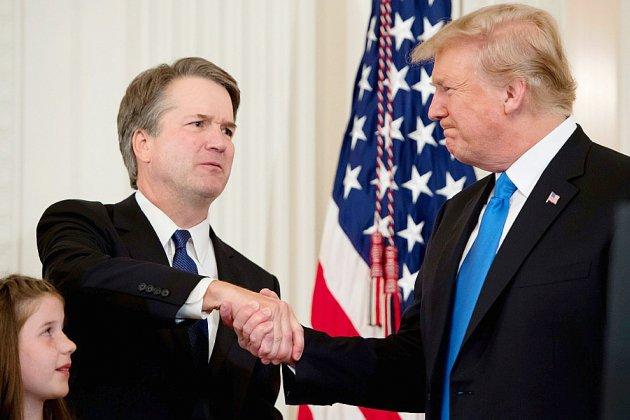 Trump prêt à savourer sa victoire dans la bataille pour la Cour suprême