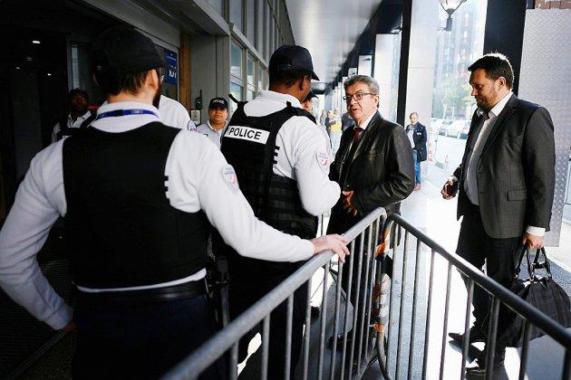 Mélenchon, entendu par la police anticorruption, se défend de toute