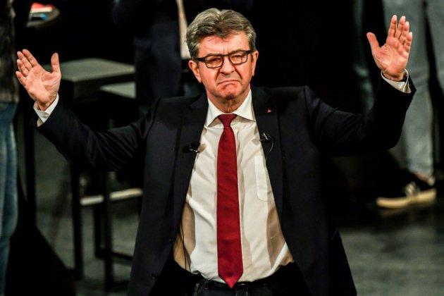 """Face à la """"persécution politique"""", Mélenchon veut reprendre la main en allant """"au peuple"""""""