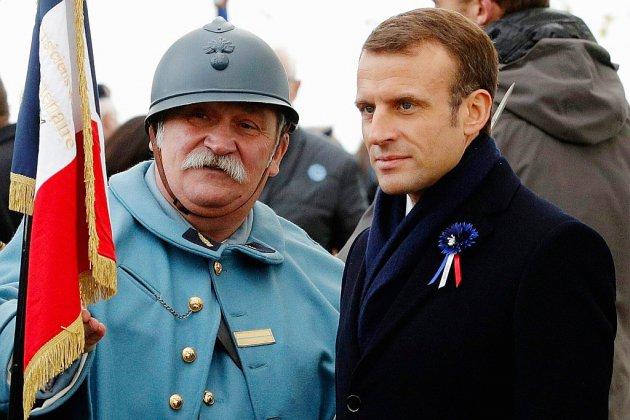 A Verdun, Macron jongle entre mémoire et grogne sur les carburants