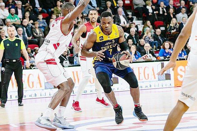 Basket: l'ALM Evreux fait tomber le leader Roanne