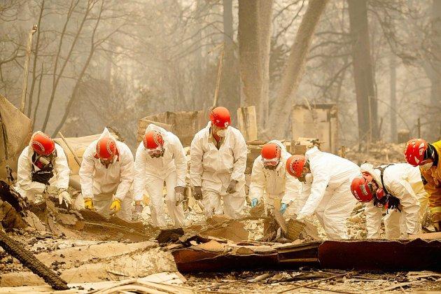 Californie: les secours tentent d'identifier les victimes