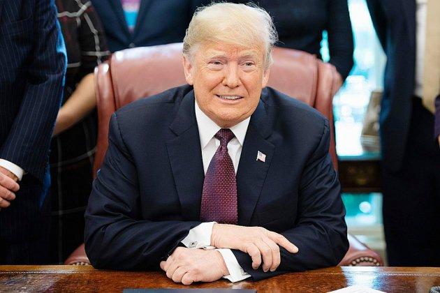 """Donald Trump envisage un accord commercial avec Pékin """"très bientôt"""""""
