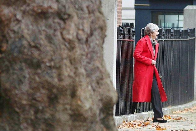 """Brexit: Semaine """"cruciale"""" attendue pour Theresa May qui retourne à Bruxelles"""