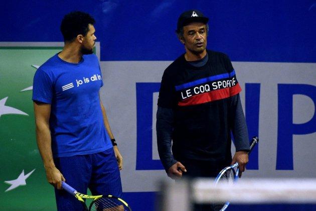 Coupe Davis: le pari de la terre battue,  attention terrain glissant
