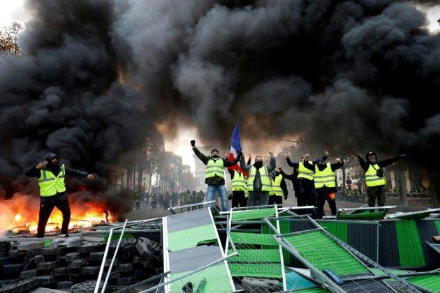 """Manifestation des """"gilets jaunes"""" samedi à Paris: une centaine de gardes à vue"""