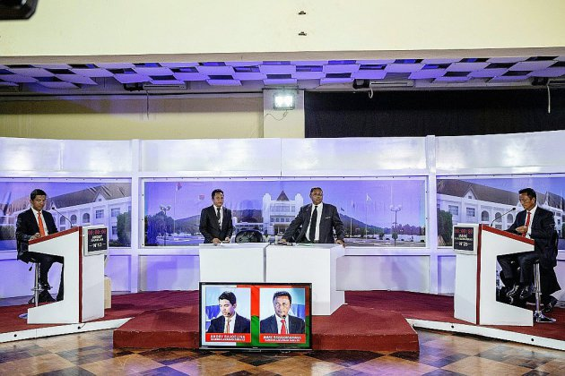 """Duel au couteau entre deux """"ex"""" pour la présidentielle malgache"""