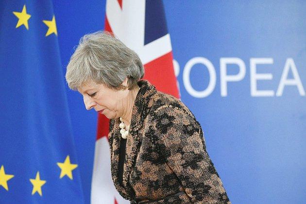 Brexit: Theresa May condamne les appels à un second réferendum