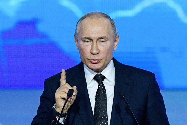 Vladimir Poutine face à la presse, en pleine crise avec l'Occident